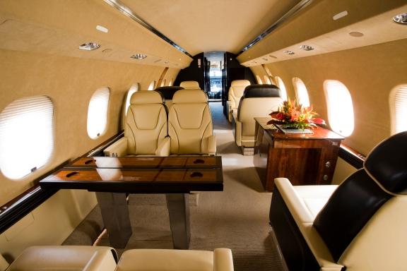 Global_6000_interior_3-LR-HR